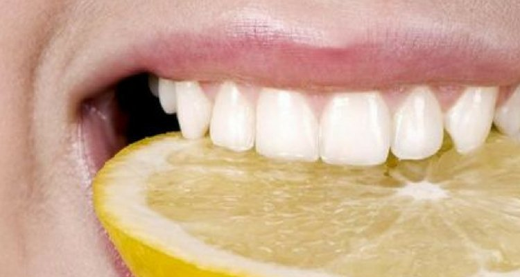 dents blanches et citron